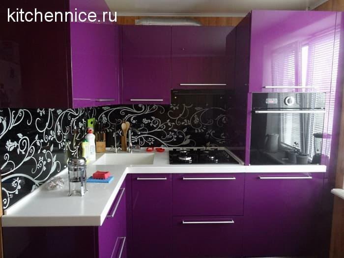 3b497cf17a Pri dokončovaní je lepšie vyhnúť sa fialovému tapetu s obrázkom alebo ho  použiť na malej ploche na zónovanie priestoru. Najpravdepodobnejšie je  pokrytie ...