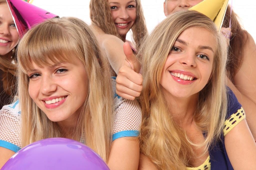 dospievajúci majúce sex na párty