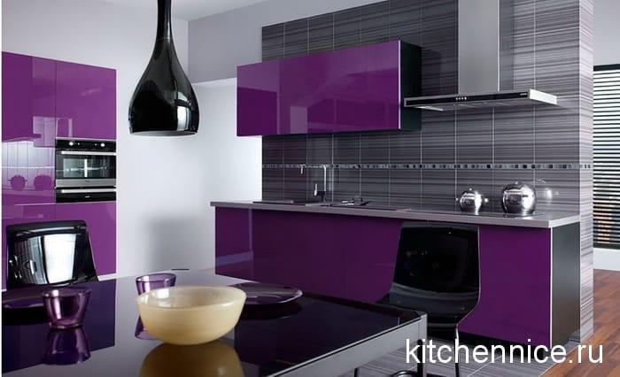 704dc2fe76 Béžová kuchyňa a levanduľové steny. Bielo-fialová kuchyňa ...